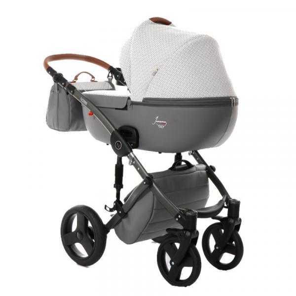 Детская коляска Junama Madena 3 в 1 (серый/белый)