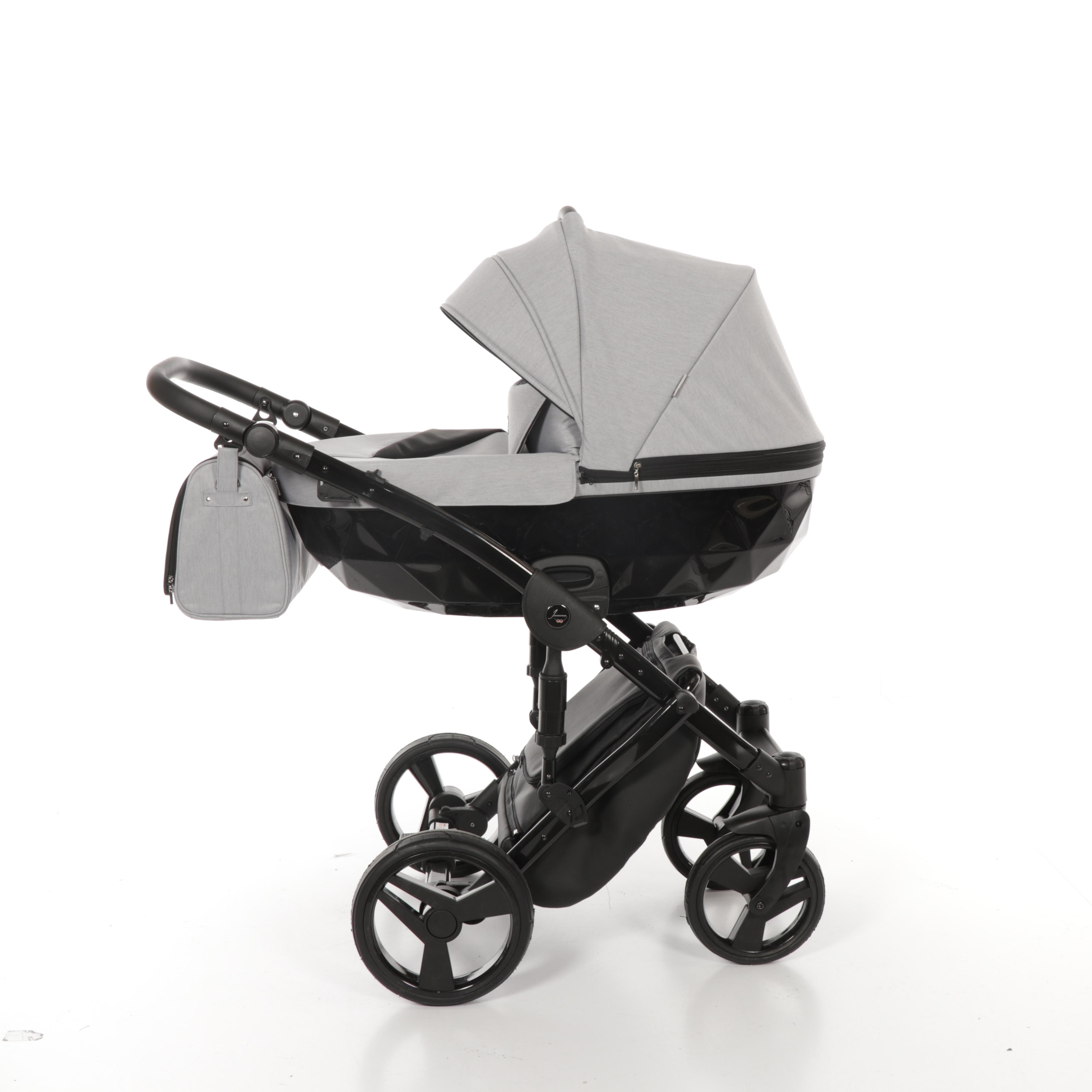 Детская коляска Junama Diamond 3 в 1 (серый)